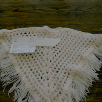 PEACH COLOUR CROCHET PONCHO WITH FRINGE EDGING 752  cjh12 S4