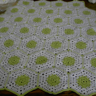 HEXAGON Crochet Blanket and Shawl  Cuddle  (nannycheryloriginals) 648 cjh S12