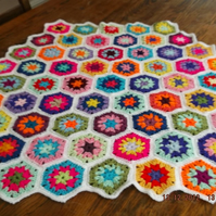 HANDMADE CROCHET HEXAGON CUDDLE BLANKET  (nannycheryl originals) 793   cjh S11