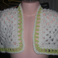 "HANDMADE CHILDS CROCHET BOLERO white bolero with green detail size 26"" 881 cjh24"