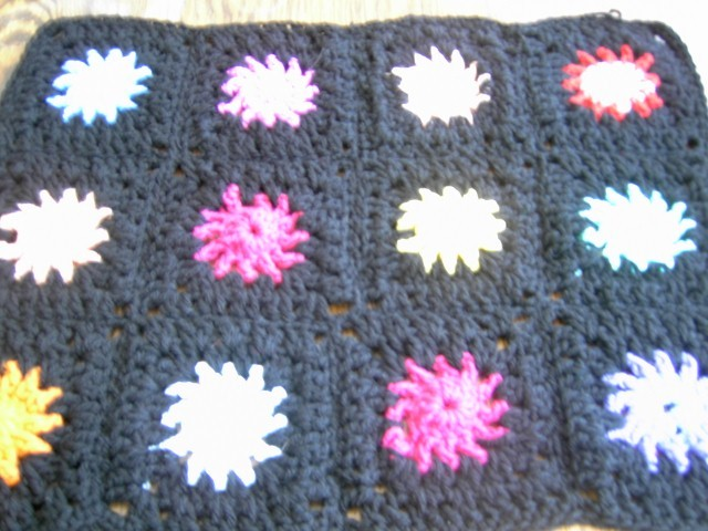 Premature crochet blanket black borders  sun design many colours  821  cjh S16