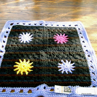 PREMATURE  BABY OR DOLL CROCHET BLANKET  829 cjh7