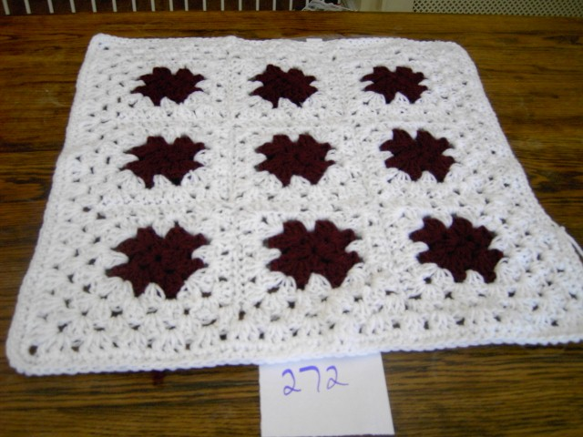 PREMATURE  BABY OR DOLL CROCHET BLANKET  742 cjh10