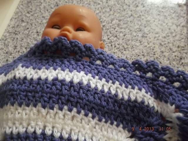 PREMATURE  BABY OR DOLL CROCHET BLANKET  763 cjhS5