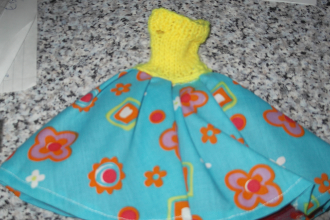 Handmade 50's style patterned skirt, yellow top petticoat Barbie doll 1250 cjhk1