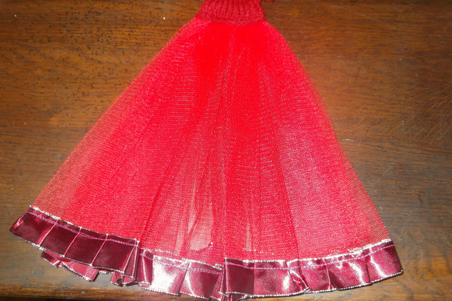 Beautiful Ballgown for Barbie red knitted topnetting skirt trim  1086 cjh S22