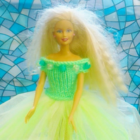 Handmade Ballroom Gown in Green, for Barbie doll    905 cjh S22