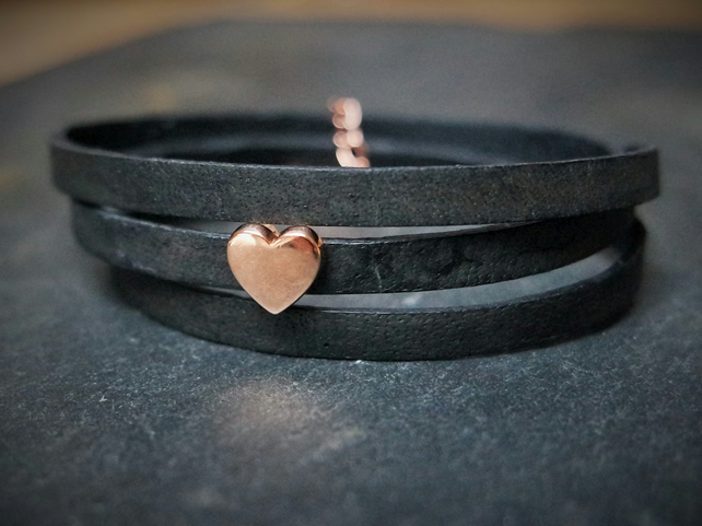 Leather wrap bracelet - Heart slider black rose gold