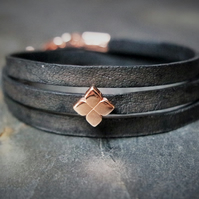 Leather wrap bracelet - Flower slider black rose gold