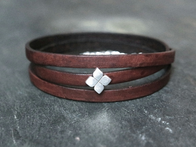 Leather wrap bracelet - Flower slider dark brown silver