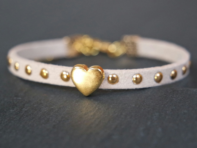 Heart bracelet - cream white gold faux suede