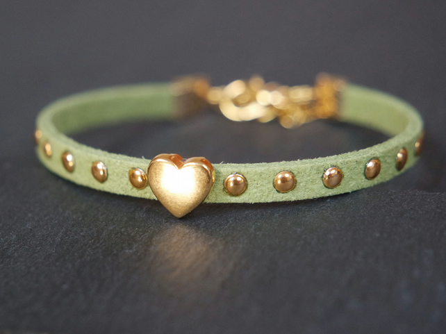 Heart bracelet - light green gold faux suede