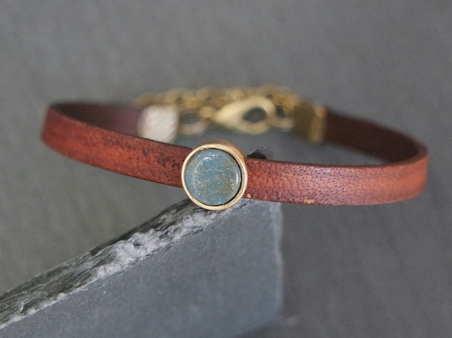 Leather bracelet - jeansblue shimmer antique gold