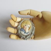 Handmade Cameo Brooch - Vintage Sailor Girl