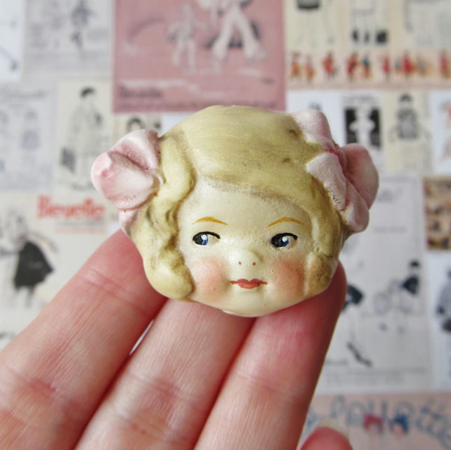 Dottie Dollie Lucy Pink Bows Doll Brooch