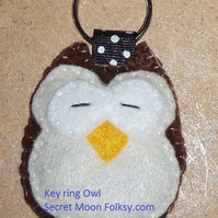 Owl Brown Felt Ring-Bag Charm-Zip Pull eyes closed