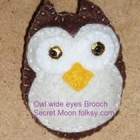 Owl Brown Felt Brooch with Wide Eyes