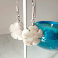 CRACY LACE AGATE FIVE PETAL FLOWER  EARRINGS -  FREE SHIPPING WORLDWIDE
