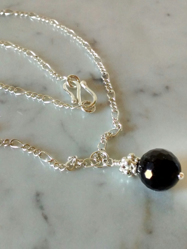 BLACK AGATE AND SILVER PLATE NECKLACE- - FREE SHIPPING