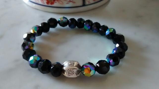 BLACK SWAROVSKI STRETCHY BRACELET - - FREE SHIPPING WORLDWIDE