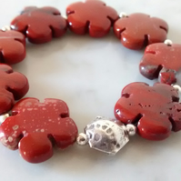 RED JASPER FLOWER STRETCHY BRACELET - FREE SHIPPING