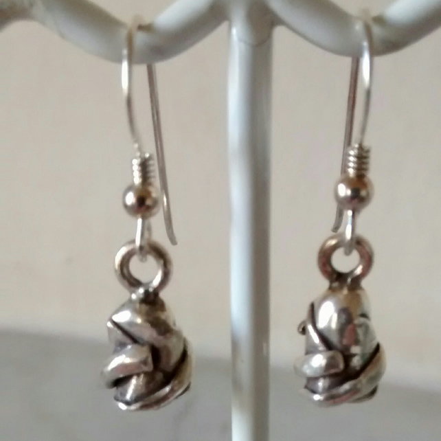 ROSE BUD SILVER EARRINGS -  FLOWER EARRINGS - FREE SHIPPING WORLDWIDE