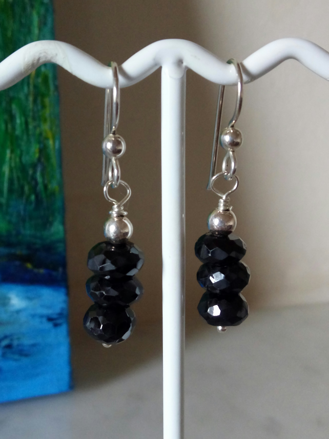 BLACK SPINEL AND STERLING SILVER EARRINGS - FREE SHIPPING WORLDWIDE