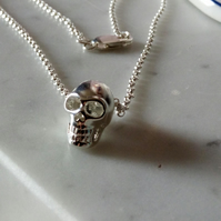 SKULL NECKLACE - SILVER NECKLACE-    FREE UK SHIPPING