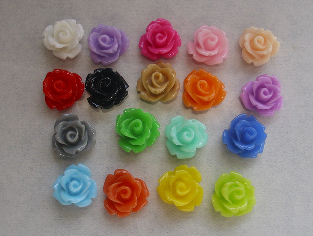 18 flower cabochons small cute floral rose cabs