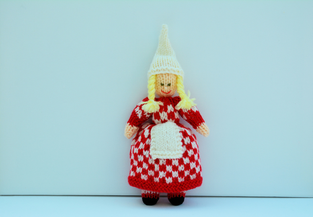Chequered Christmas Elf - Knitting Pattern - PDF E-mail