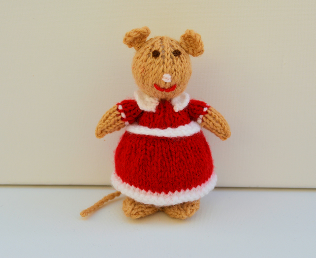 Knitted Lady Mouse Doll - Knitting Pattern - PDF E-Mail
