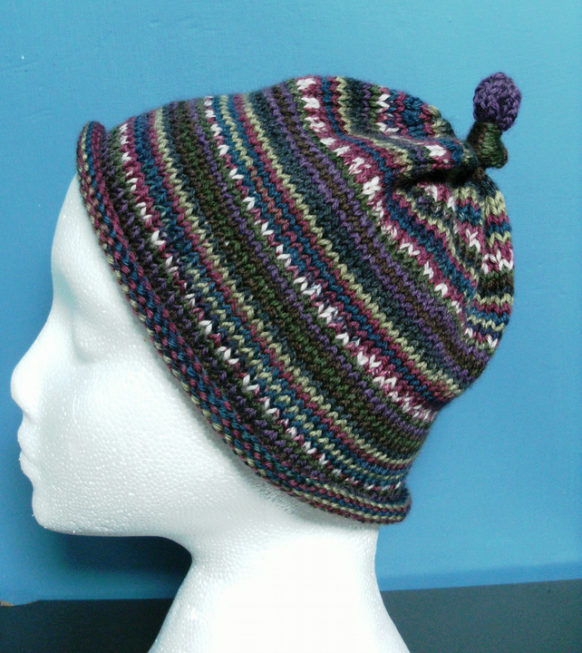 Handknit CHILDRENS 6-10 KNOTTY TOP BEANIE Stripey jacquard Berry