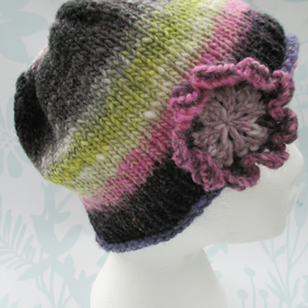 Handknit NORO Big Flower Roll up Beanie Hat 100% wool Black Pink Lavender MED