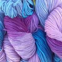 100g Hand-dyed MERINO SUPERFINE DK blue purple lilac