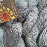 50g MIRASOL HASA Aran weight Silk Alpaca Merino in Silver Grey