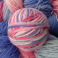 150g Hand-dyed Superwash 4PLY Sock Wool pinks & blues