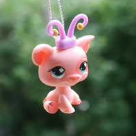 Sweet Littlest Pet Shop Piggy Pig Necklace
