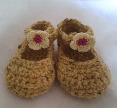 Yellow Wool Crochet Baby shoes with flowers (newborn-6 months)