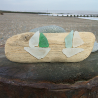 Sea glass and driftwood decoration - 2 boats