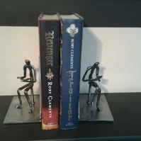 reading and thinking bookends
