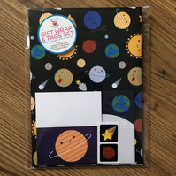 Gift Wrap Set with Tags - Solar System Kawaii Planets
