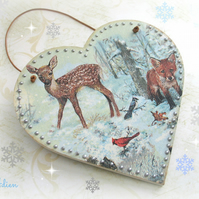 Christmas Woodland Scene Heart Decoration