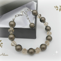 Brown Shell Pearl Bracelet