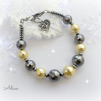 Lemon and Grey Shell Pearl Bracelet