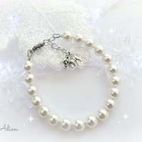 Pearl Bracelet with Swarovski™ Crystal, Elephant, Heart or Daisy Charm