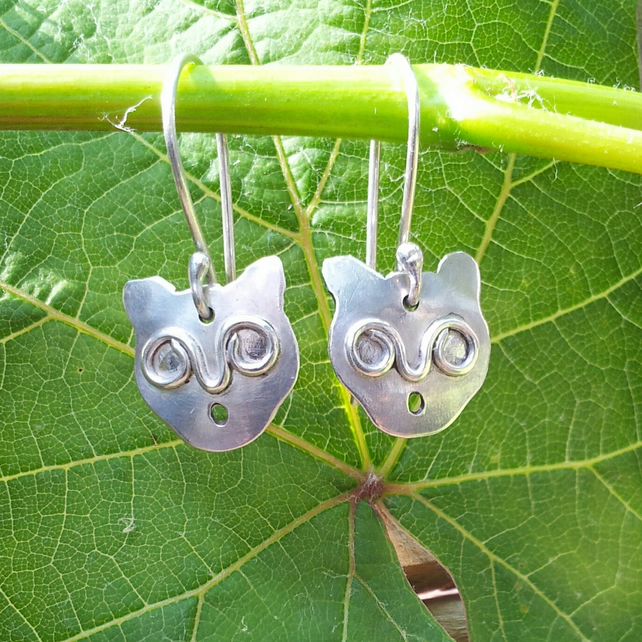 'Surprised Siamese' cat earrings