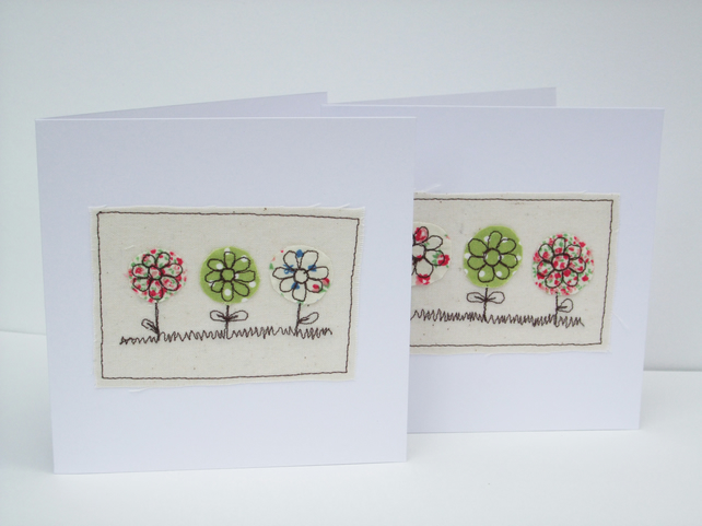 Flowers card - embroidered