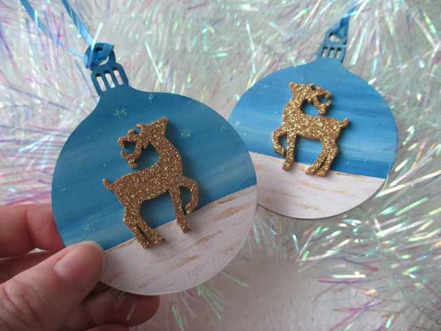 Christmas Tree Decoration x2 Stag Deer Glittery Gold Wooden Hand Painted