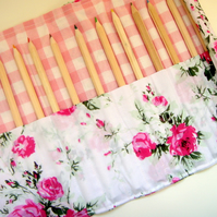 Roses and gingham pencil roll