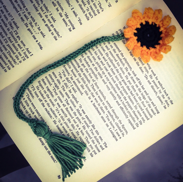 Knitted sunflower bookmark